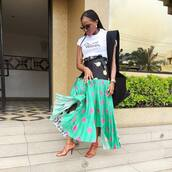 skirt,pleated skirt,midi skirt,multicolor,floral skirt,belt,high heel sandals,white t-shirt,retro sunglasses,shoulder bag
