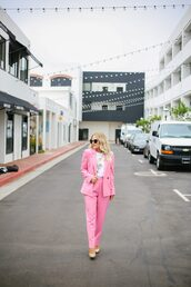 t-shirt,graphic tee,pink suit,blazer,pumps,two piece pantsuits,blogger,blogger style