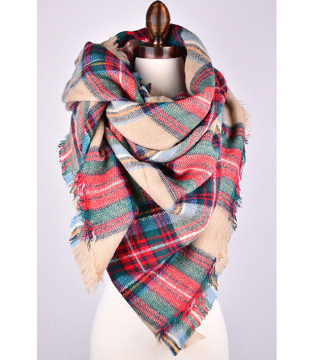 Check out our selection of Plaid scarves and choose the one that fits you. Whether you need it for fashion or winter wear, we have you covered!