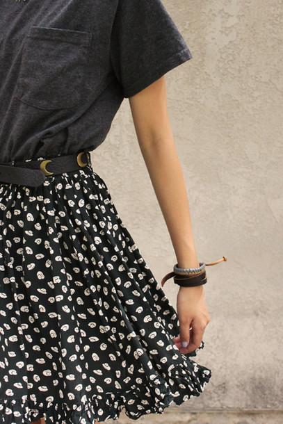 skirt cute high waisted skirt alien soucoupe volante rock grunge beautiful black skirt cute skirt