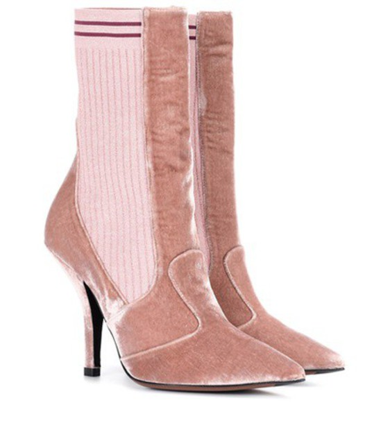 Fendi Exclusive to mytheresa.com – velvet ankle boots in pink