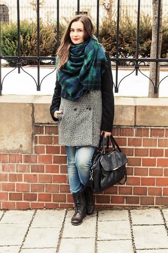 perla oreneta blogger tartan scarf winter coat blanket scarf handbag combat boots