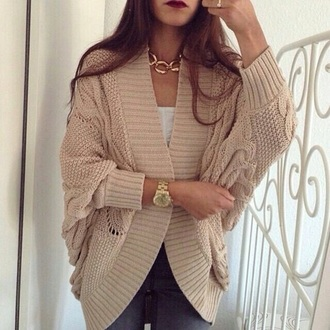 cardigan necklace beige