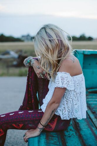 pants cool print lace shirt top boho boho chic off the shoulder off shoulder crop top off the shoulder top white lace top white lace tops white lace croptop hippie flare hippie pants boho pants red boho pant jewels hippie style peasant top