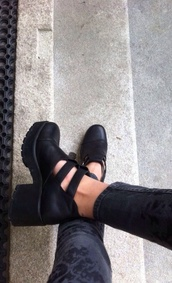 shoes,black,leather,cut out ankle boots,boots,swag,jeans,thick heel,heels,rock,cut out booties