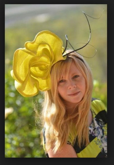 derbies yellow races fasinator yellow fasinator melbourne cup kentucky derby races hat floral yellow fasinators yellow black hairstyles hair piece hair hat