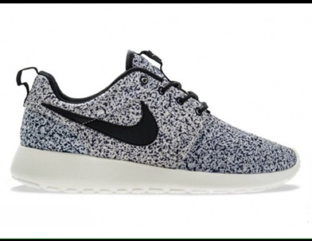 55e7c2b7362 shoes nike roshes black white speckled nike nike roshe run oreo speckled  size 75