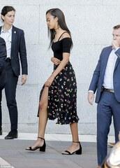 dress,floral skirt,black top,Obama family,off the shoulder