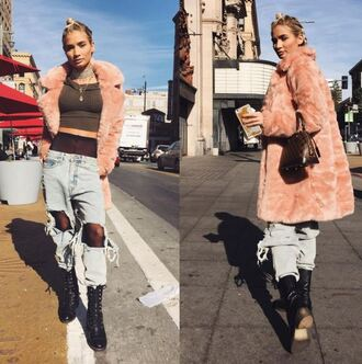 coat jeans ripped jeans boyfriend jeans pia mia perez instagram fall outfits crop tops boots baby pink