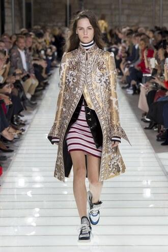 coat skirt gold paris fashion week 2017 louis vuitton sneakers runway model turtleneck dress stripes