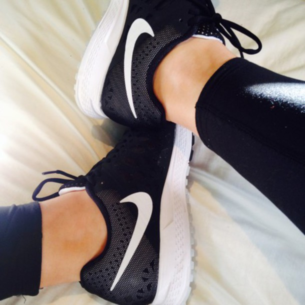 nike roshe run nike flyknit black and white nike sports shoes fitness gym  black sneakers shoes