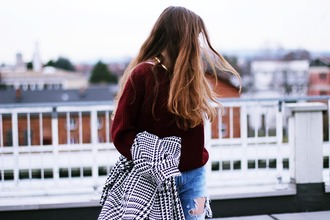 my time is now blogger houndstooth burgundy sweater
