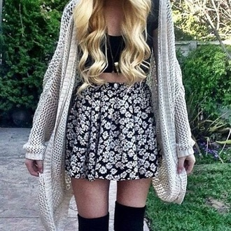 skirt black white flowers cute beautiful lovely outfit cool girl teenager socks jacket beige top tights cardigan jewels