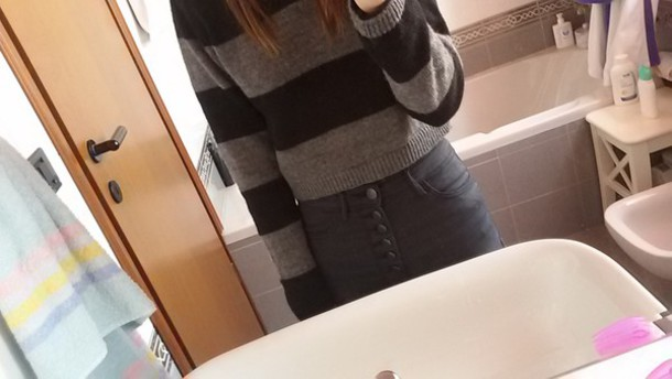 sweater black grey jeans