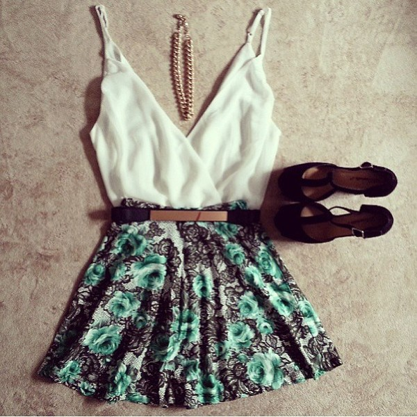 skirt clothes lace rose gold belt belt black white tank top gold necklace pumps chain bodysuit floral flowers floral skirt floral shoes blouse jewels shorts