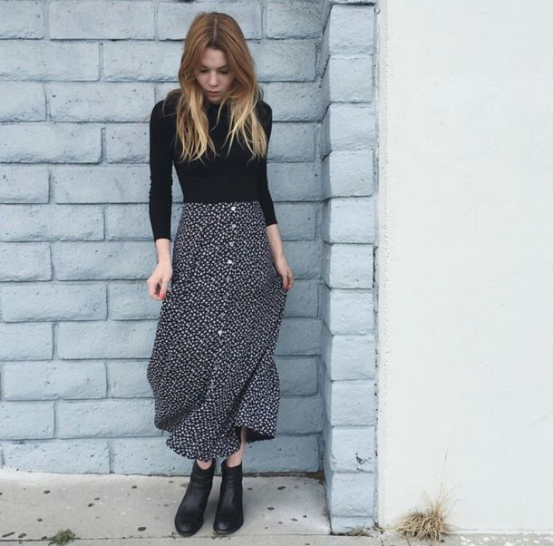 Skirt on point clothing style fashion indie 70s style Indie fashion style definition