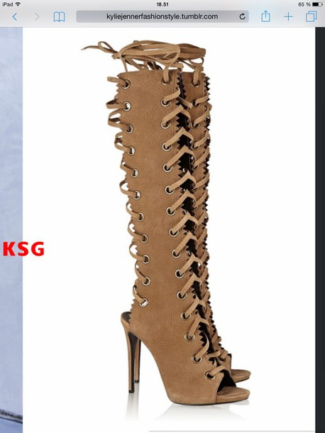 shoes kylie jenner high heels kylie jenner excatly the same as the  picture