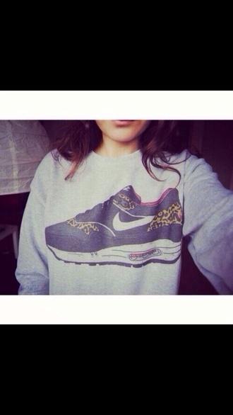 shoes t-shirt nike sweater air max girl grey sweater nike air leopard print girly brown hair grey black sweater