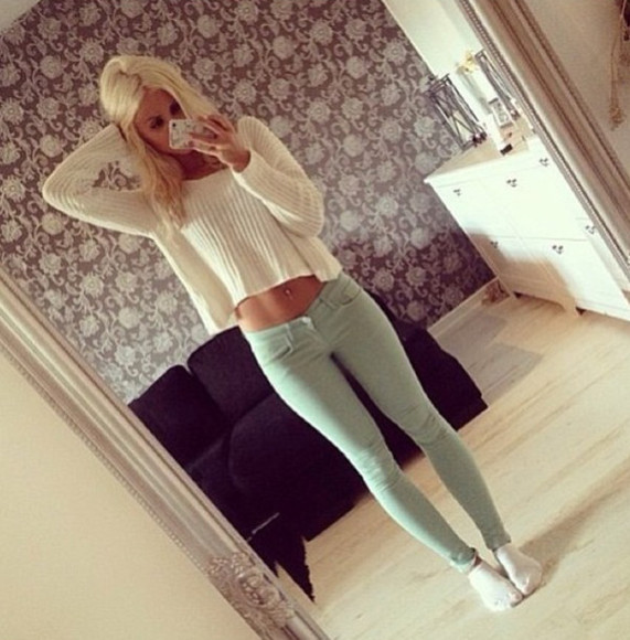 pants cute sweater green pants white sweater causal outfit everyday look skinny jeans