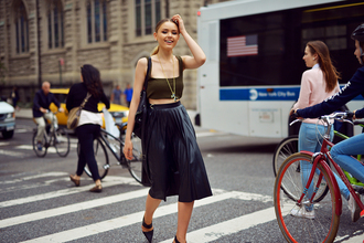 kayture blogger jewels navy pleated skirt bralette black heels