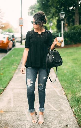 life & messy hair blogger bag sunglasses jewels shoes handbag black top mules fall outfits