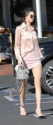 shoes,pink boots,boots,chic,All pink outfit,all pink everything,skirt,mini skirt,pink skirt,shirt,pink shirt,bag,balenciaga bag,balenciaga,kendall jenner,celebrity,grey bag