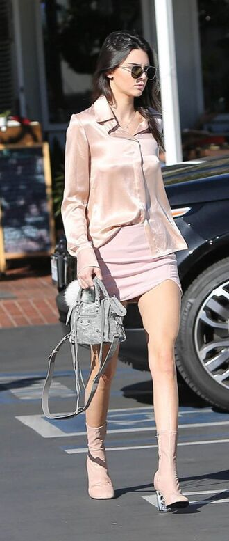 shoes pink boots boots chic all pink outfit all pink everything skirt mini skirt pink skirt shirt pink shirt bag balenciaga bag balenciaga kendall jenner celebrity grey bag