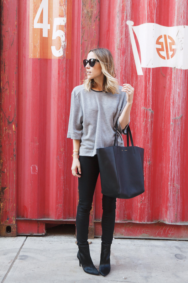damsel in dior jeans t-shirt bag shoes