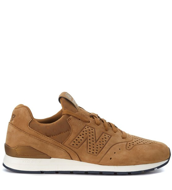 New Balance leather beige shoes