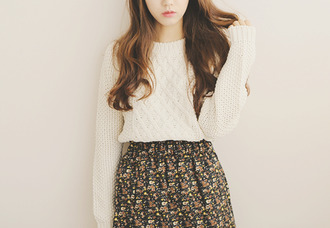 skirt flowers pretty skirt jumper sewaeter white floral floral skirt multicolor cute cute skirt patterned skirt black pretty white sweater white jumper cream