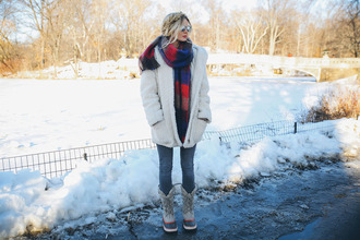 barefoot blonde blogger jeans fuzzy coat hairstyles blanket scarf winter outfits duck boots white fluffy coat teddy bear coat white oversized coat