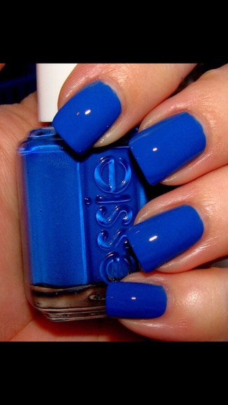 nail polish essie colbot blue color