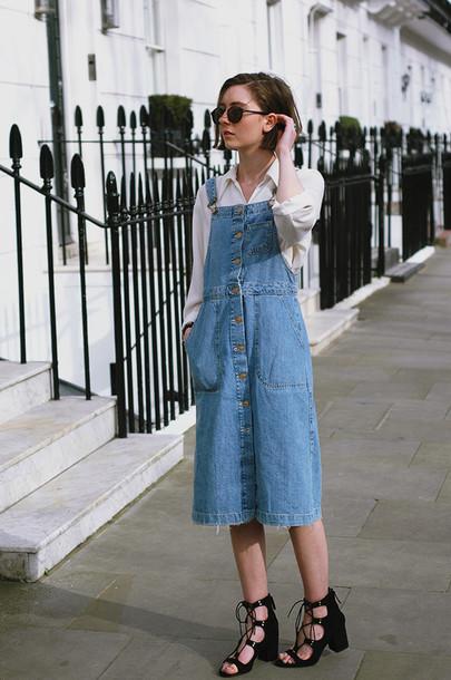 a fashionista blogger shirt black shoes thick heel denim dress