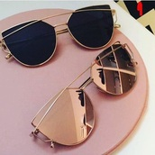 sunglasses,gold,rose gold,chic,metal,mirrored sunglasses,gold sunglasses