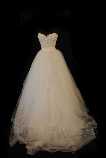 dress lace white pretty girly wedding wedding dress formal dress party dress lace dress 517622 white dress beach wedding dress sexy wedding dress tulle wedding dress wedding dress drooling tulle wedding dress lace wedding dress prom dress prom gown formal dress evening dress