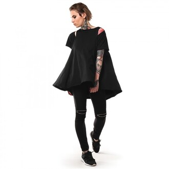 t-shirt total look flare pants all black everything blouse tattoo girl girly wishlist lookbook cut-out side cut outs cut out crop top cut out shoulder black pants comfy summer outfits all black  outfit tumblr