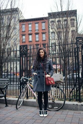noelles favorite things blogger coat t-shirt dress shoes bag