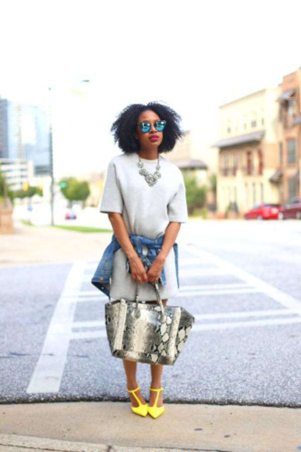 mattieologie blogger t-shirt dress pyhton bag snake skin