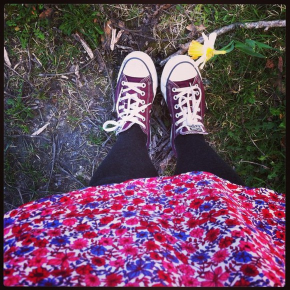 hippie dress floral cute converse shoes happy love pink indian vans, floral, indie, hippie, hipster, grunge, shoes, girly, tomboy, skater rock and roses cute dress india rose hypster