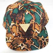 hat,hype,snake skin,torquiose,gold,snake print,triangle,snapback