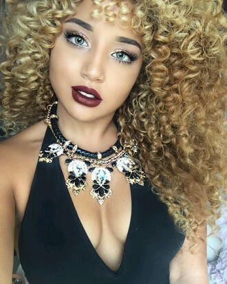 jewels necklace lipstick statement necklace make-up jadah doll top black top plunge v neck hairstyles jadah doll makeup gemstone pendant