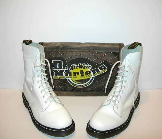 Uk 6~ rare vintage old school white leather rimless 10 eye doc martens