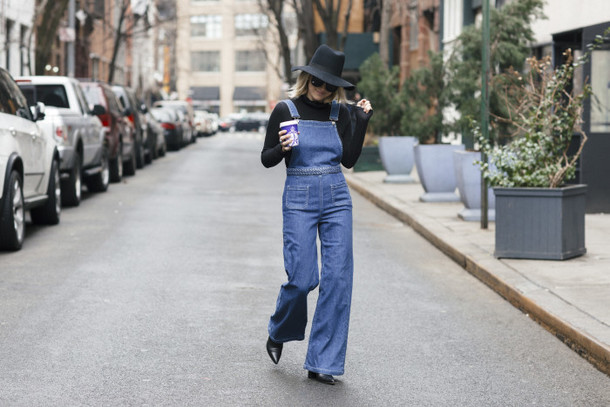 my style pill blogger jumpsuit overalls denim overalls felt hat hat sunglasses shoes