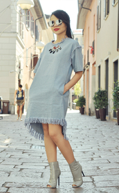 zebratrash,blogger,dress,sunglasses,shoes,make-up,jewels,pocket dress,frayed denim,frayed dress,denim dress,asymmetrical,asymmetrical dress,blue dress,necklace,mirrored sunglasses,silver sunglasses,short sleeve,peep toe heels,booties,grey booties