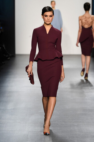 dress burgundy burgundy dress runway fashion week 2016 ny fashion week 2016 pumps