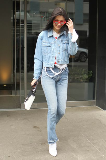 jacket jeans denim jacket denim bella hadid model off-duty spring outfits streetstyle