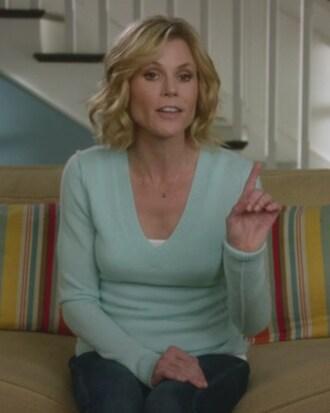 sweater julie bowen claire dunphy modern family mint