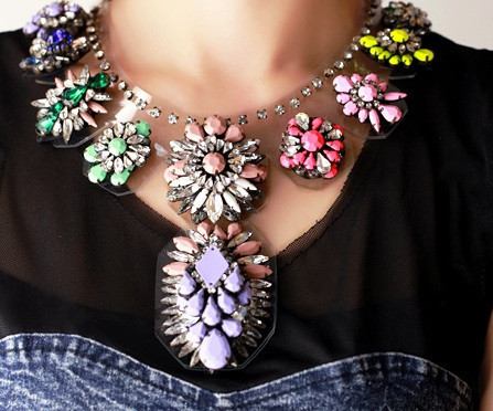 Multicolor resin flowers necklace – glamzelle