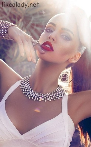 red lips jewels statement necklace