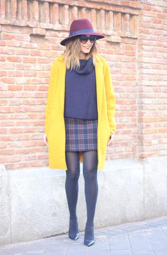 besugarandspice blogger hat turtleneck tartan skirt yellow coat knitted sweater